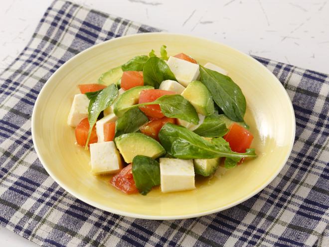 サラダ アボカド 糖質制限中はアボカドを食べよう!糖質の低いアボカドレシピをご紹介【グラタン・サラダ・チーズ・ささみ】